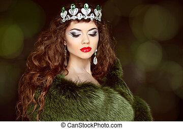 beauty, mannequin, meisje, in, vacht, coat., diamant, jewelry., beautifu