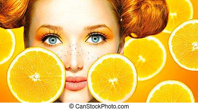 beauty, model, meisje, met, sappig, oranges., freckles