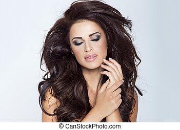 Beauty photo of brunette lady