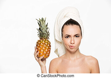 Naked girl with pineapple — photo 13