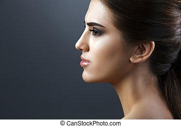 Beauty portrait of young fresh fashion woman