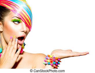 beauty, vrouw, met, kleurrijke, makeup, haar, spijkers, en, accessoires
