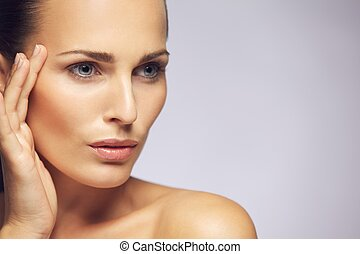 Beauty woman face with healthy skin