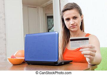beauty woman shopping online