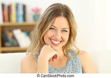 Beauty woman smiling looking at camera