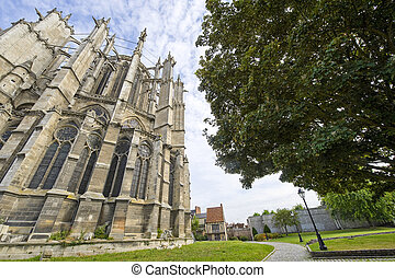 Beauvais (Oise, Picardie, France) - Exterior of the ancient cathedral, in gothic style and park