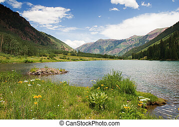 Maroon Lake - Beaver dam sets off beautiful Maroon Lake in a...