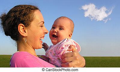bebé, caras, madre
