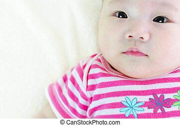 bebé, curioso
