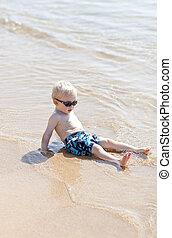 bebé, en la playa