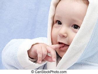 bebé hermoso, después, baño