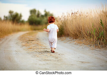 bebé, lejos, corriente, lindo, campo, niño, bebé, verano, ...