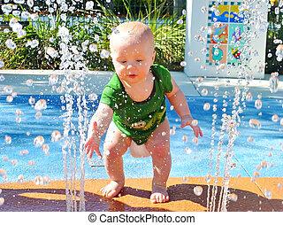 bebé, riegue fuente, juego