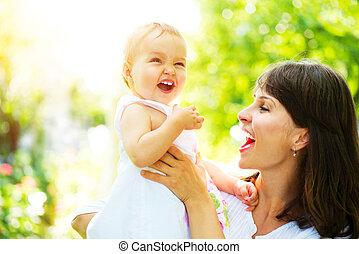 bebê bonito, outdoors., natureza mãe