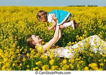 bebê, campo, amarela, mãe