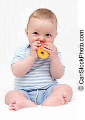 bebê come, maçã