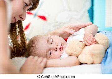 bebê, dormir, jovem, cama, mãe