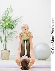 bebê, fazer, ginástica, mãe