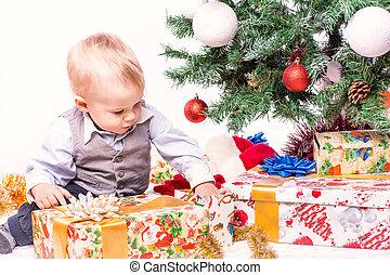 bebê, feliz, árvore, natal, mãe