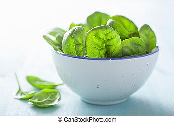 bebê, folhas, espinafre, tigela