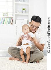 bebê, home., pai, asiático, tocando