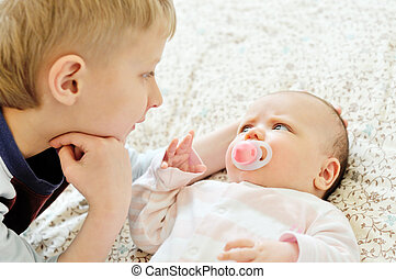 bebê, irmã, irmão