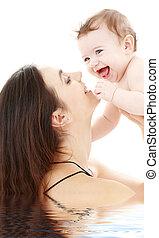 bebê, olhos azuis, rir, mãe, tocando
