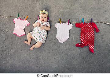 bebê, pendurar, a, clothesline.