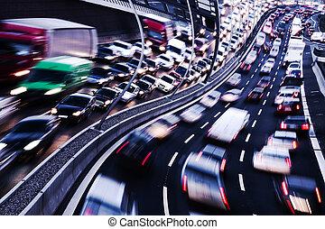 beba y conduzca, (cars, en, highway)