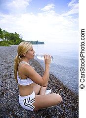 bebendo, água fresca