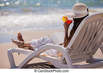 bebendo, coquetéis, praia