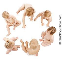 bebes, grupo, niños, niños, gatear, en, infante, pañales, niños, aislado, encima, blanco