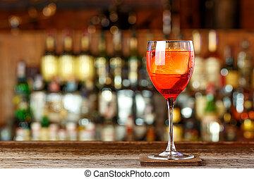 bebida alaranjada, baseado, aperol, tincture