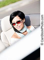 becsuk, átváltható, nő, feláll, autó