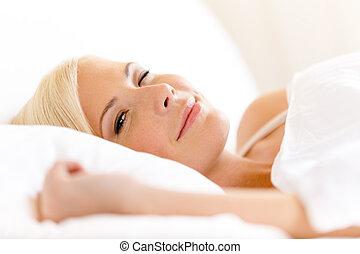 becsuk, fekvő, nő, feláll, ágy