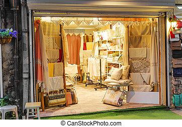 Bed linen boutique. Trade Shop bedding.