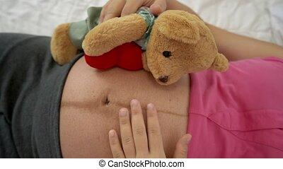 bedroom., femme enceinte, lit, heureux, dormir