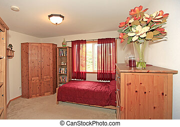Bedroom with red curtains - Bedroom, furnished. Large home...