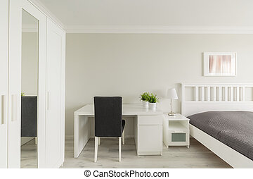 Bedroom with study area - Photo of light cosy bedroom with...