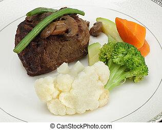Beef tournedos with veg