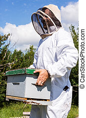 Beekeeper Carrying Honeycomb Box