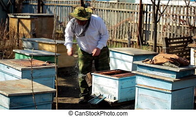 Beekeeper inspection control framework in apiary with bee...