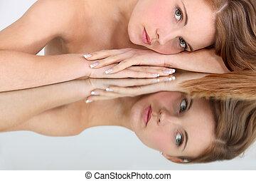 beeld, vrouw, spiegel