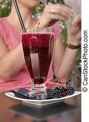 beetroot, 汁, 由于, a, 秸桿, 在, the, 餐館