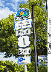 Begin of Highway 1 in Key West direction north