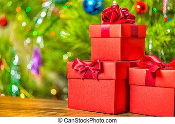 begrepp, christmasferie, av, röd, gåva boxar, med, bog, på, trä, bakgrund, över, festlig, dekoration, tillsluta