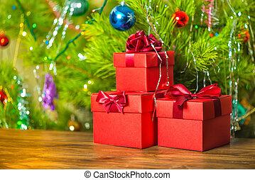 begrepp, nytt år, av, röd, gåva boxar, med, bog, på, trä, bakgrund, över, festlig, dekoration, tillsluta
