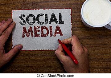 begrepp, text, kommunikation, papper, markör, bord, nätverksarbetande, kopp, media., idéer, skrift, holdingen, direkt, kanalisera, affär, meddela, microblogging, man, ord, coffee., trä, social, stycke