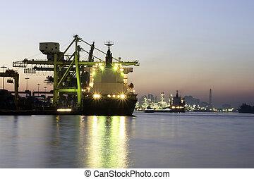 behållare, morgon, stort, ankommer, skepp, hamn