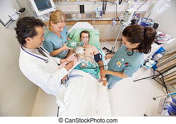 behandler, patient, doktor, sygeplejersker, hospitalet, ...